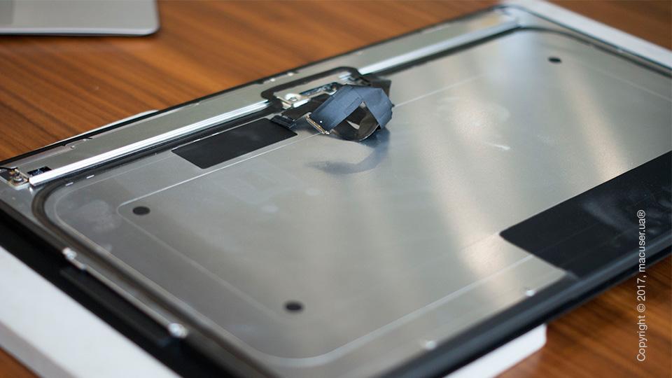 Чистка дисплейного модуля тонкого iMac