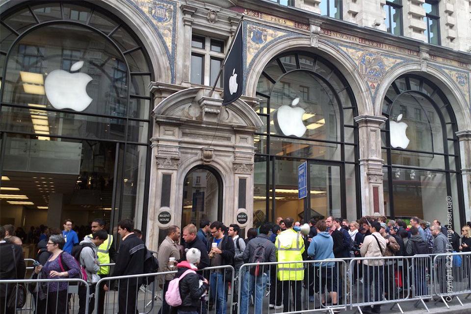 Очередь в Apple Store