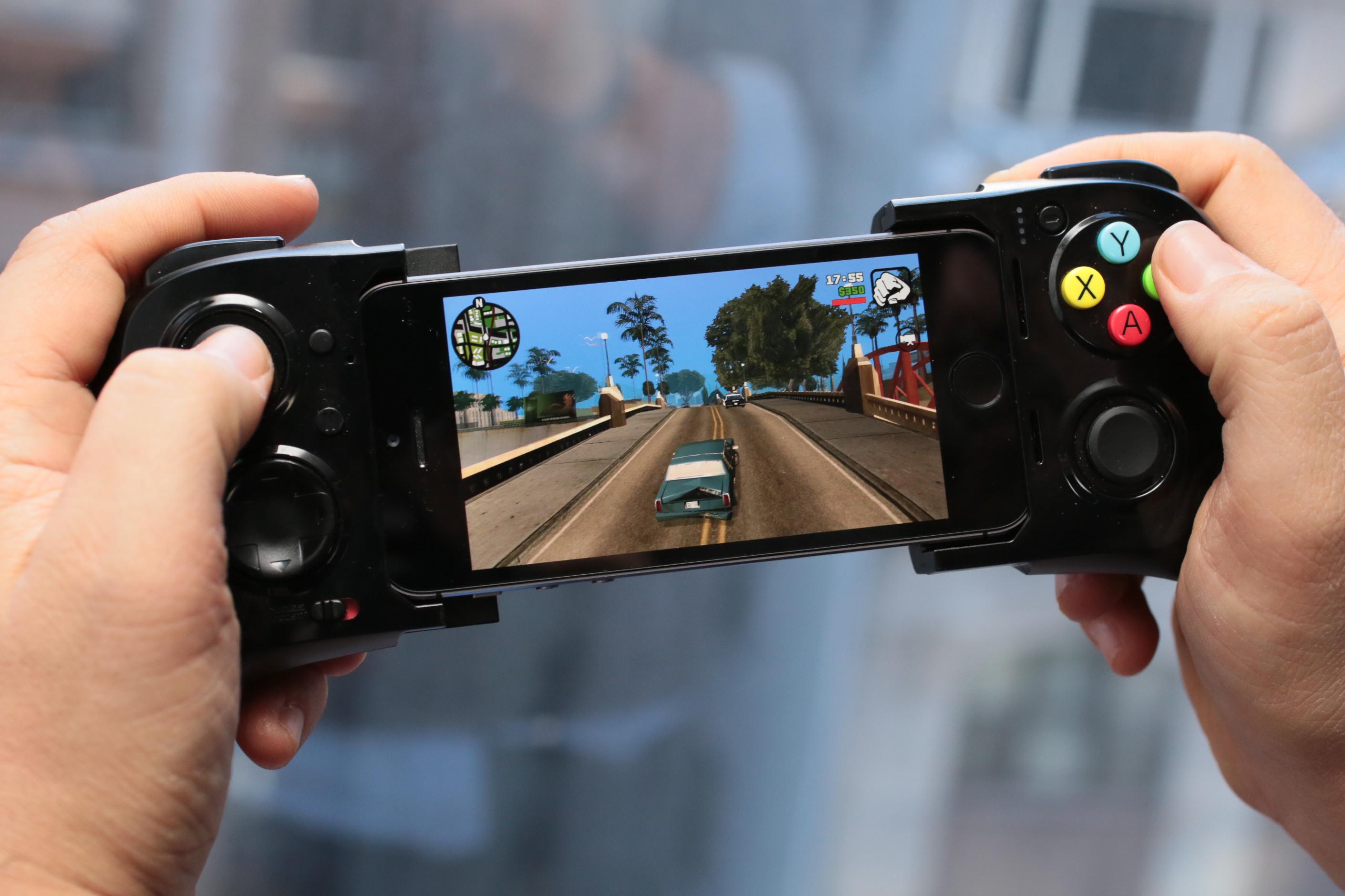 Ликуйте геймеры, первый игровой iOS контроллер уже в продаже!
