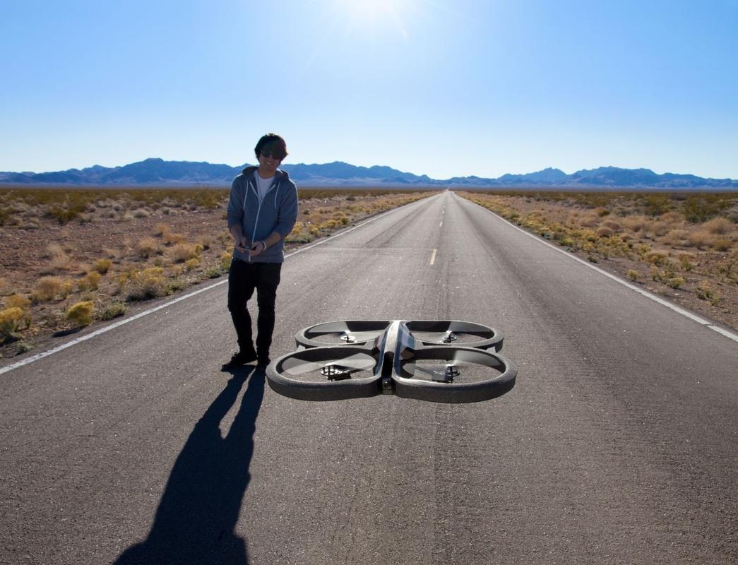 AR.Drone 2.0 Power Edition — 36 минут в воздухе