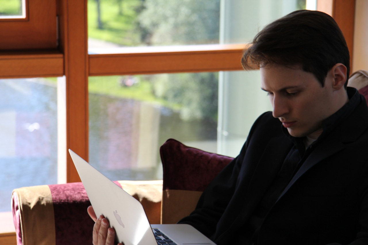 Анонимность, эфемерность и либертарианство. Какой будет новая мобильная соцсеть Дурова