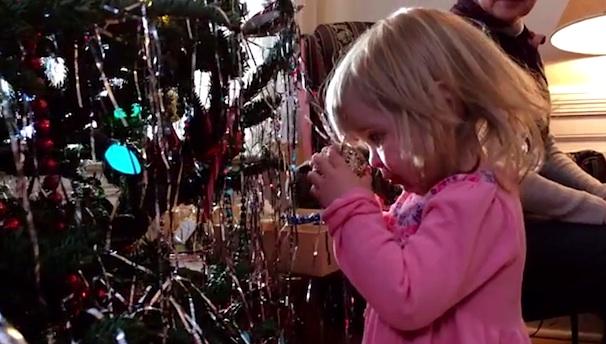 Рождественская реклама «Misunderstood», посвященная iPhone 5s получила премию «Эмми»