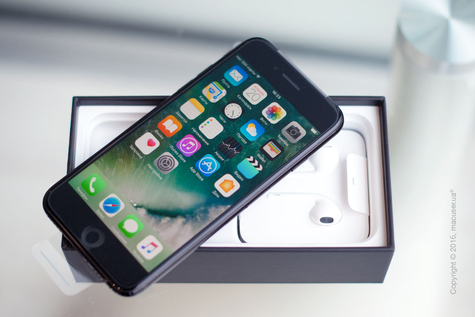 Обзор iPhone 7 Jet Black
