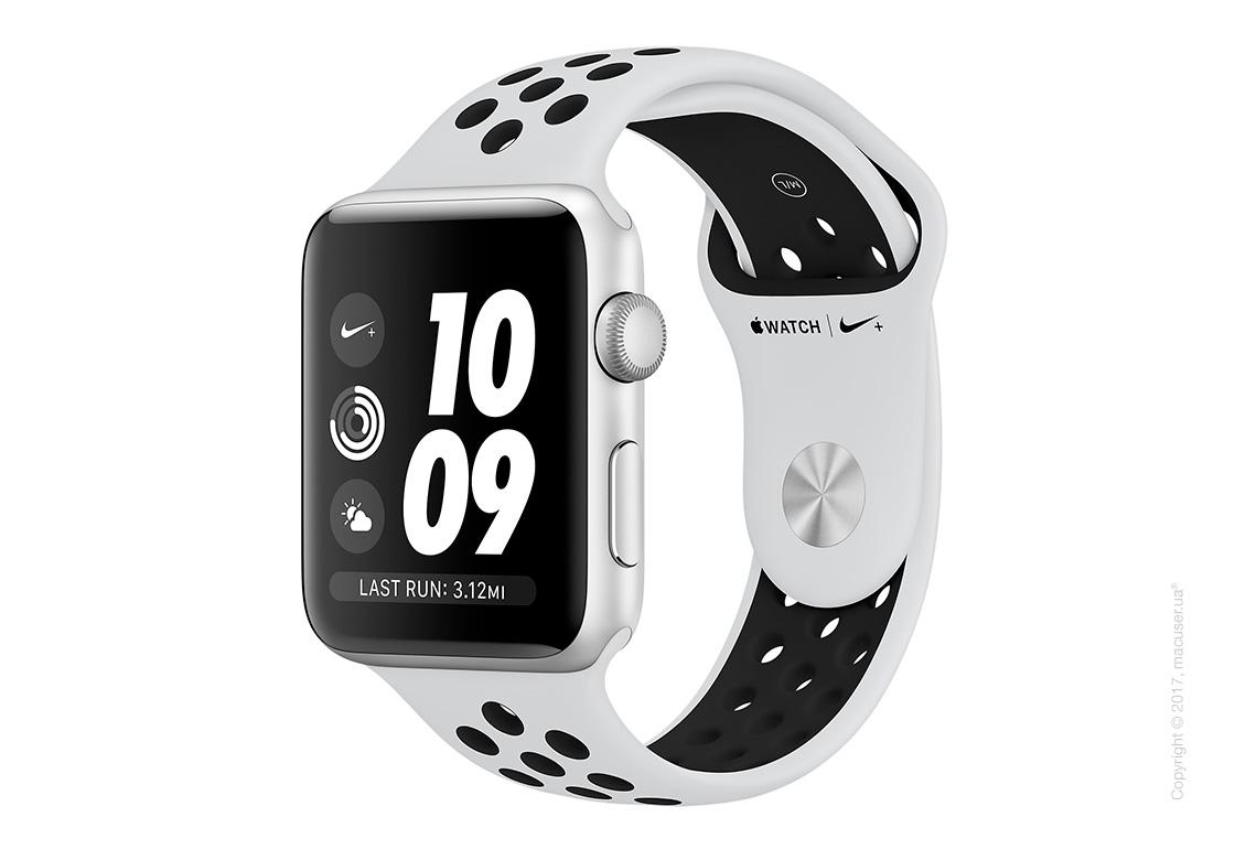 Apple Watch Series 3 42mm Silver Aluminum Case со спортивным ремешком Nike цвета «чистая платина/чёрный»
