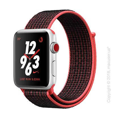 Apple Watch Series 3 GPS + Cellular 42mm Silver Aluminum Case со спортивным ремешком Nike цвета «малиновый/чёрный»